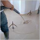 Sika ViscoChape® et Sika SyntiChape® : chapes autonivelantes ciment et anhydrite Sika