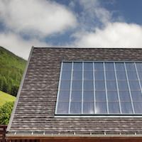 Des toitures métalliques qui participent à la performance énergétique des bâtiments